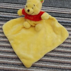 allaboutbaby-disneybaby-winnethepooh-comforter